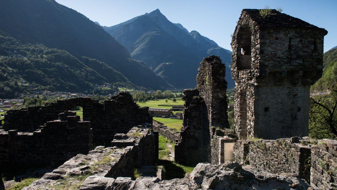 Castello-di-Serravalle-26141-TW-Slideshow.jpg