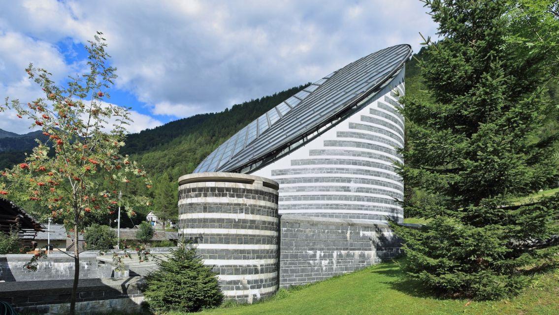 Chiesa-di-Mogno-17015-TW-Slideshow.jpg