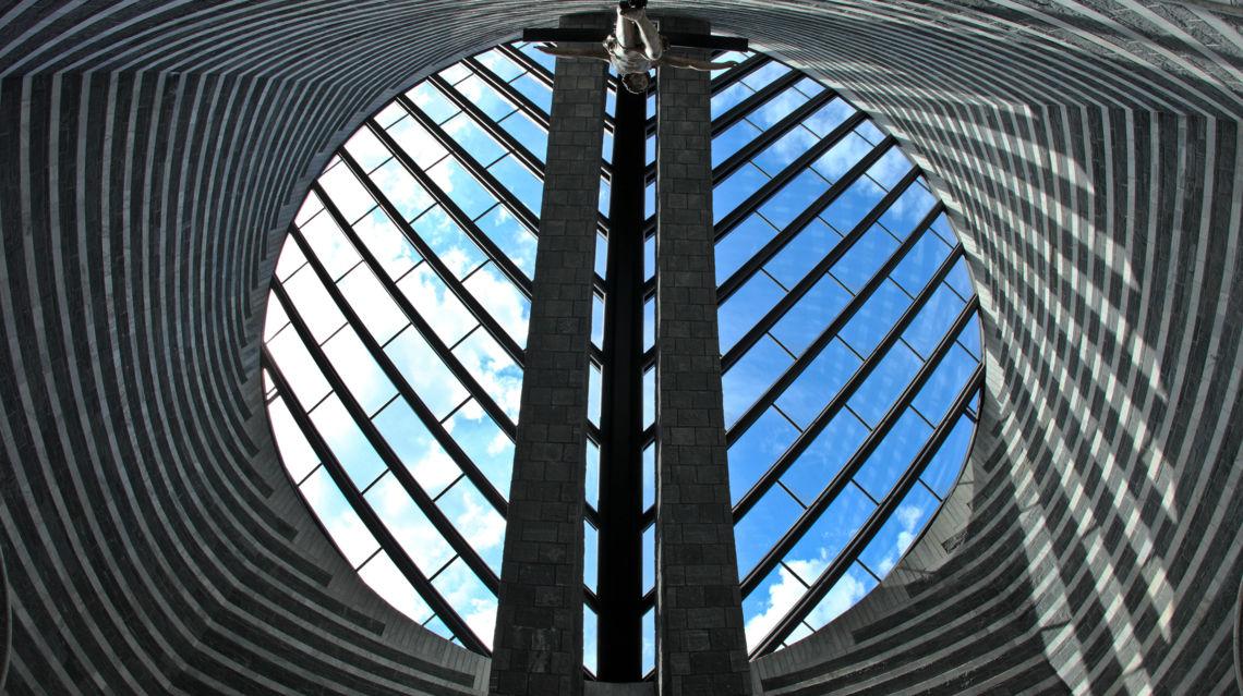 Chiesa-di-Mogno-19634-TW-Slideshow.jpg