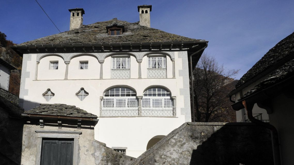 Comologno-Palazzo-1816-TW-Slideshow.jpg