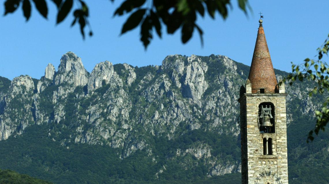 Denti-della-Vecchia-e-campanile-Tesserete-8176-TW-Slideshow.jpg