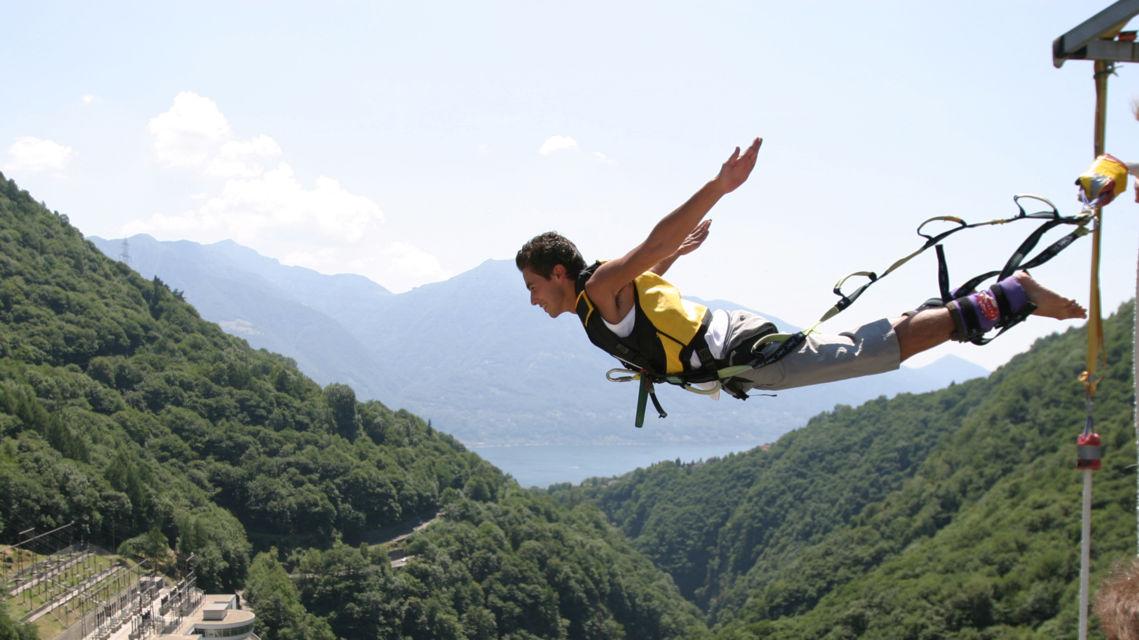 Diga-della-Verzasca-Bungy-Jumping-8040-TW-Slideshow.jpg