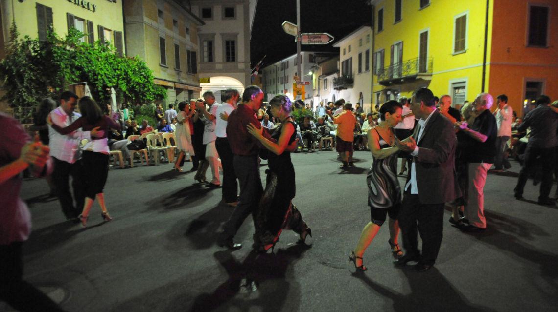 Festa-Danzante-11461-TW-Slideshow.jpg