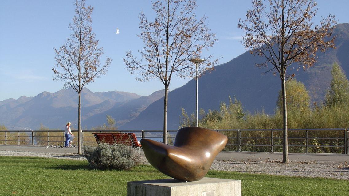 Giardini-Arp-Lungolago-25046-TW-Slideshow.jpg