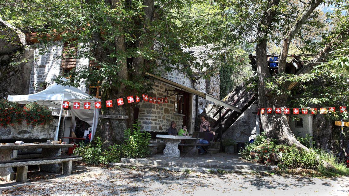 Grotto-Milani-16005-TW-Slideshow.jpg