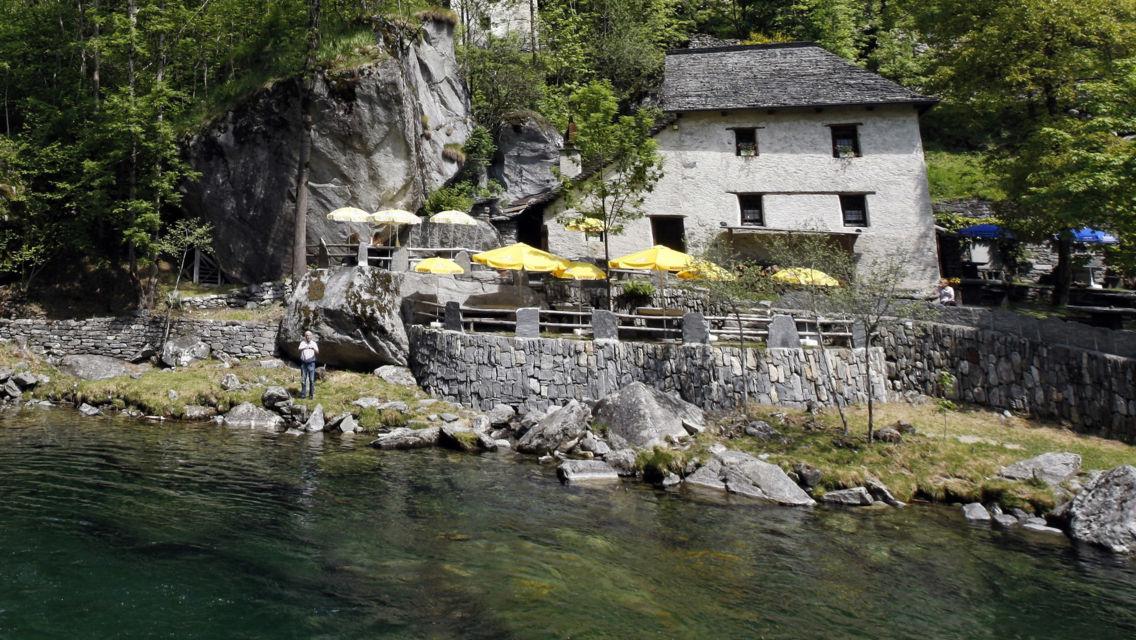 Grotto-Pozzasc-Peccia-12442-TW-Slideshow.jpg