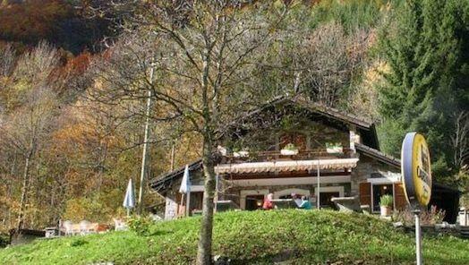 Grotto-Sassello-Gerra-Verzasca-20115-TW-Slideshow.jpg