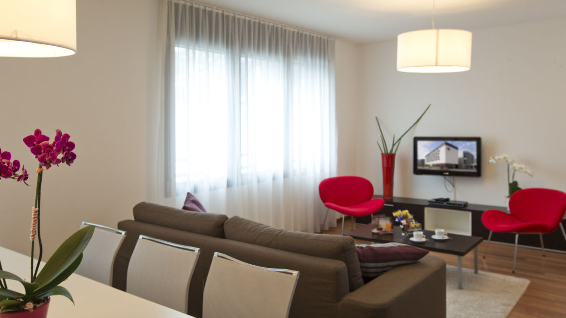 Hotel-Ibis-17637-TW-Slideshow.jpg