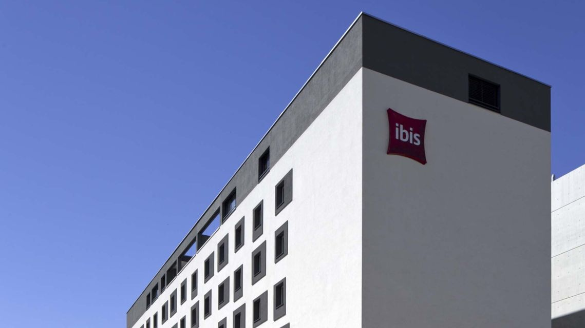 Hotel-Ibis-17638-TW-Slideshow.jpg