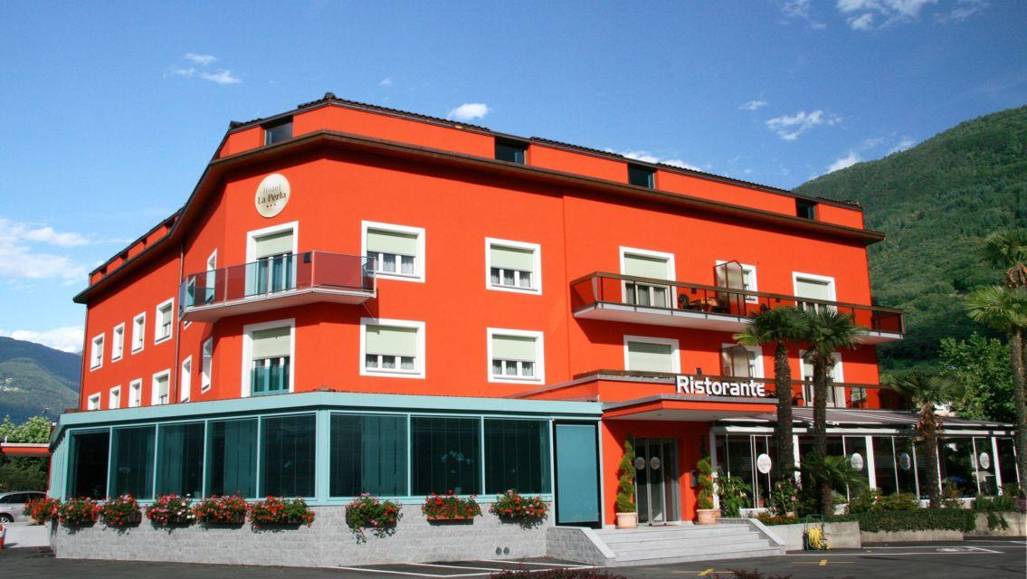 Hotel-La-Perla-S-Antonino-6938-TW-Slideshow.jpg