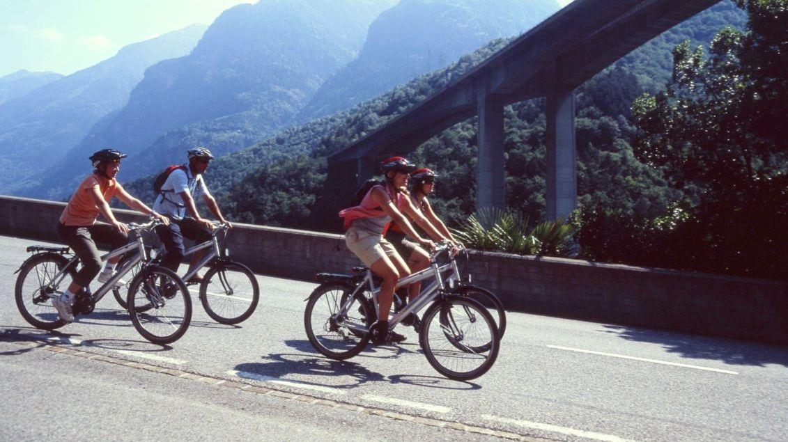 In-bici-da-Airolo-a-Biasca-945-TW-Slideshow.jpg