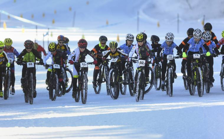 Sport, Spiel und Spass im Schnee