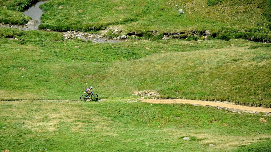 Mountain-Bike-19174-TW-Slideshow.jpg