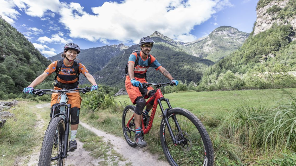 Mountain-Bike-21920-TW-Slideshow.jpg