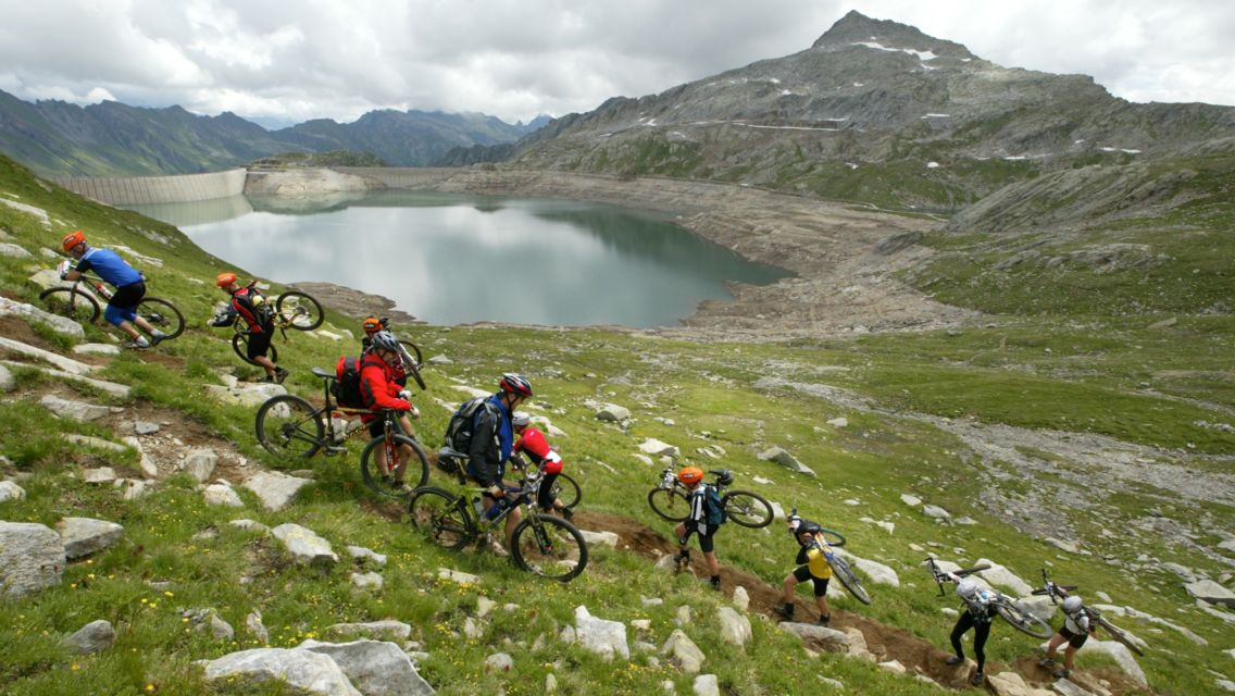 Mountain-Bike-22176-TW-Slideshow.jpg