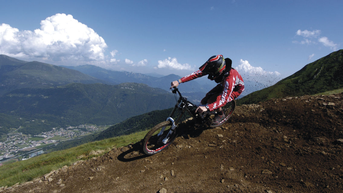 Mountain-Bike-7238-TW-Slideshow.jpg