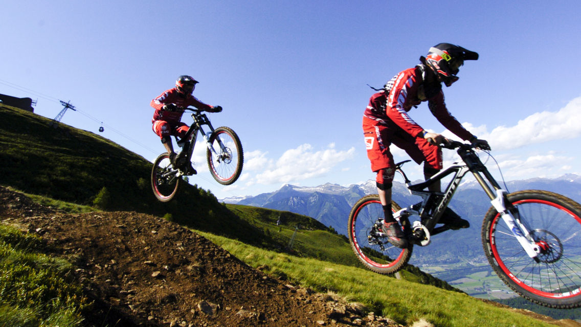 Mountain-Bike-972-TW-Slideshow.jpg