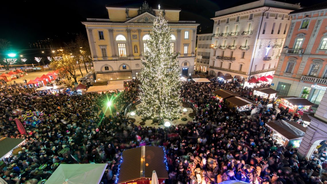 Natale-in-Piazza-17660-TW-Slideshow.jpg
