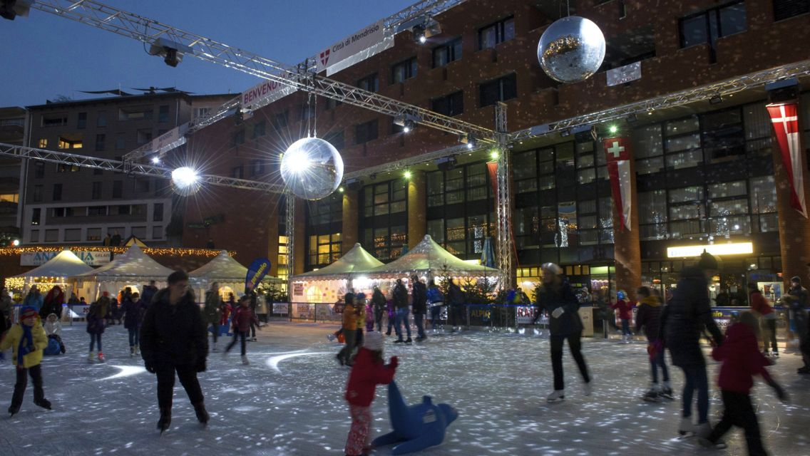 Natale-in-Piazza-20504-TW-Slideshow.jpg