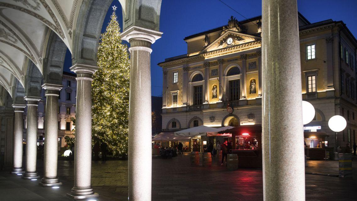 Natale-in-piazza-25090-TW-Slideshow.jpg