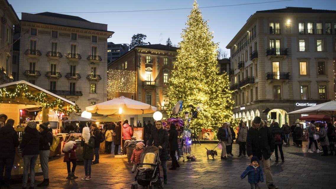 Natale-in-piazza-25092-TW-Slideshow.jpg