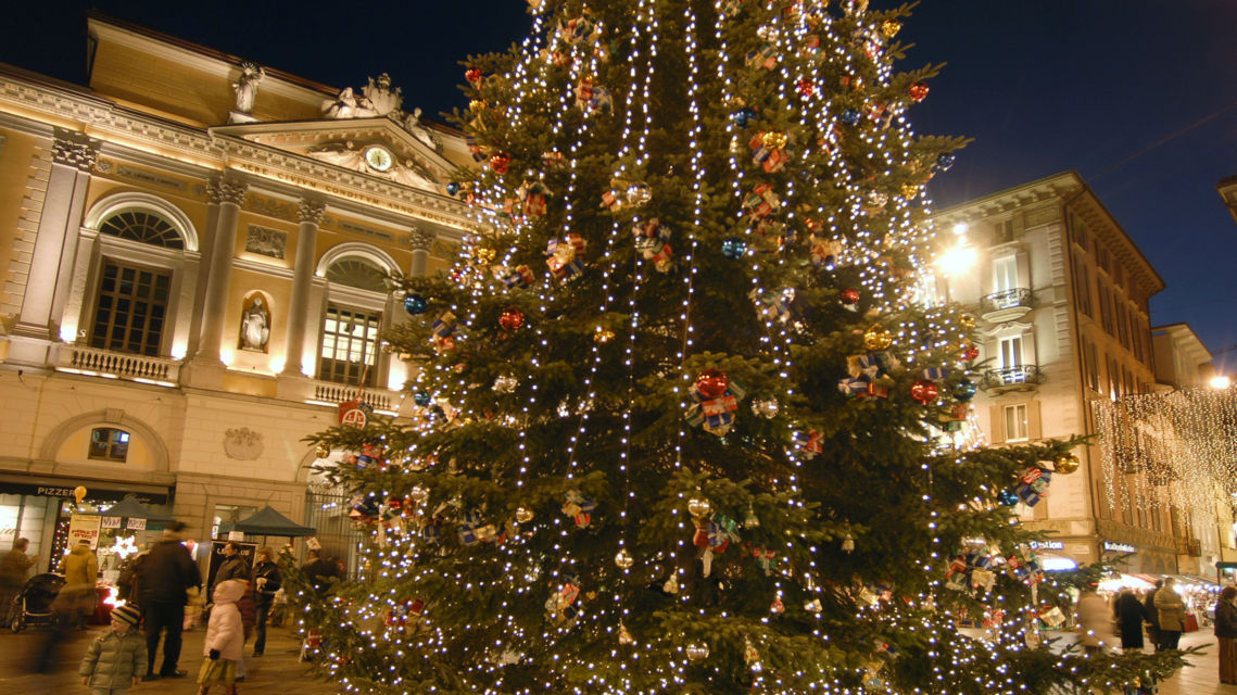 Natale-in-piazza-Riforma-1857-TW-Slideshow.jpg