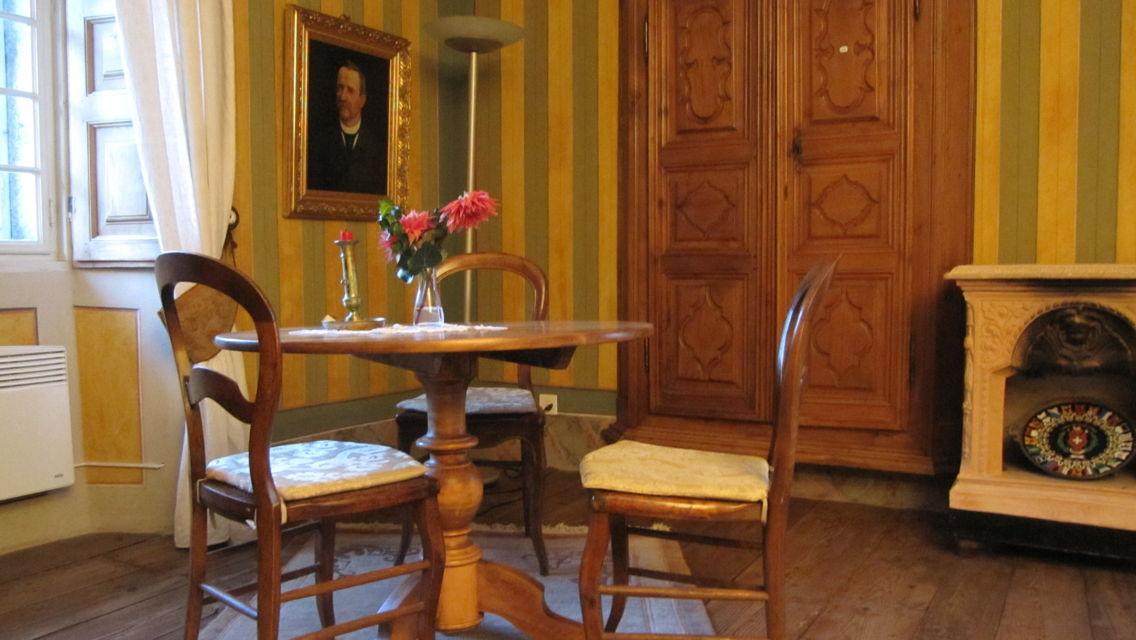Palazzo-Gamboni-Comologno-1814-TW-Slideshow.jpg