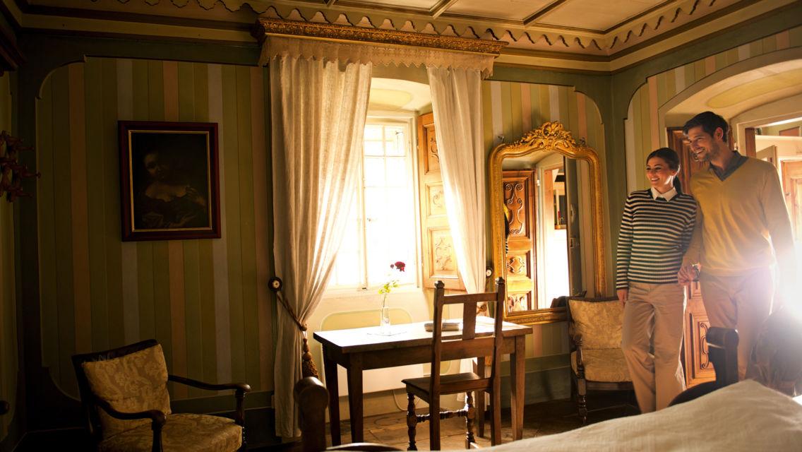 Palazzo-Gamboni-Comologno-18296-TW-Slideshow.jpg