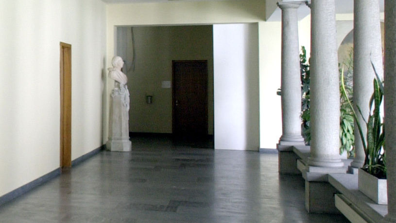 Palazzo-del-governo-26028-TW-Slideshow.jpg
