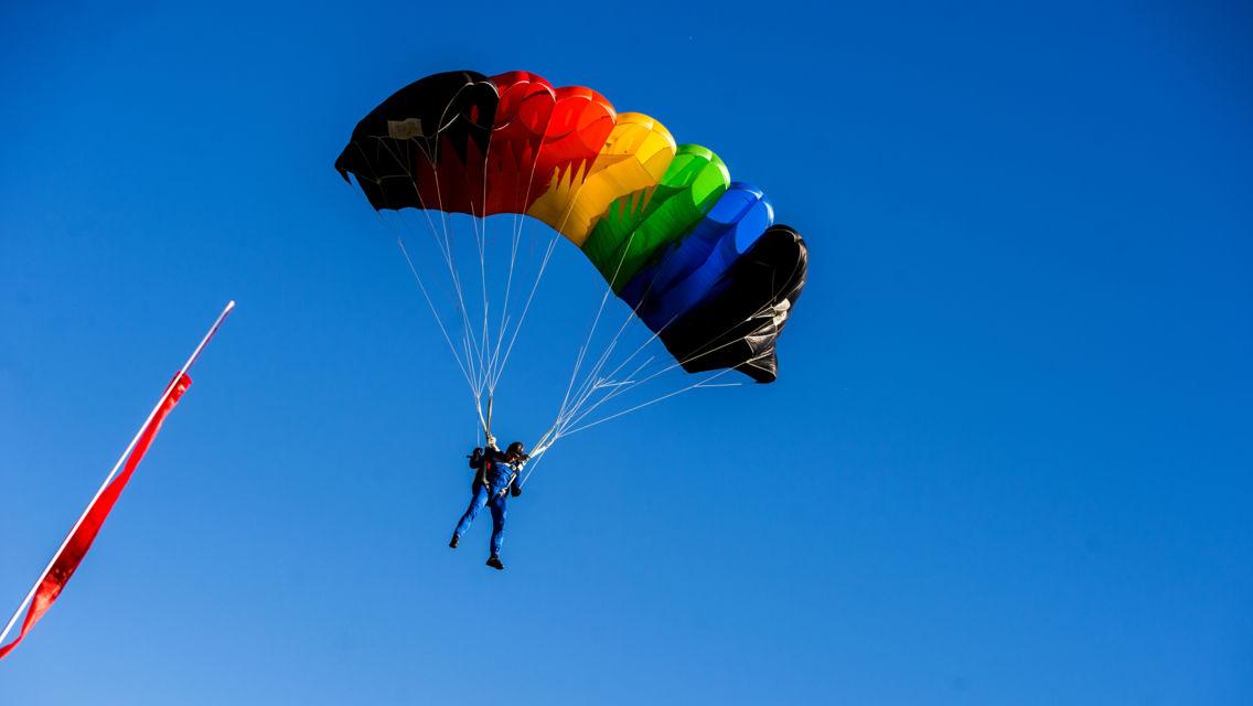 Paracadutismo-22447-TW-Slideshow.jpg