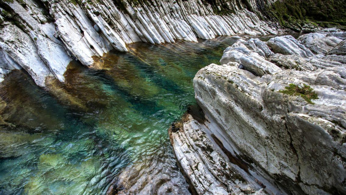 Parco-Gole-della-Breggia-16626-TW-Slideshow.jpg