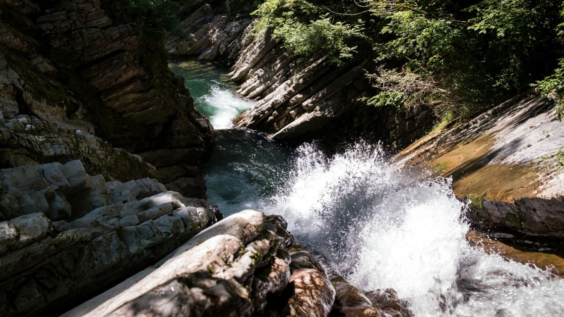 Parco-Gole-della-Breggia-24054-TW-Slideshow.jpg