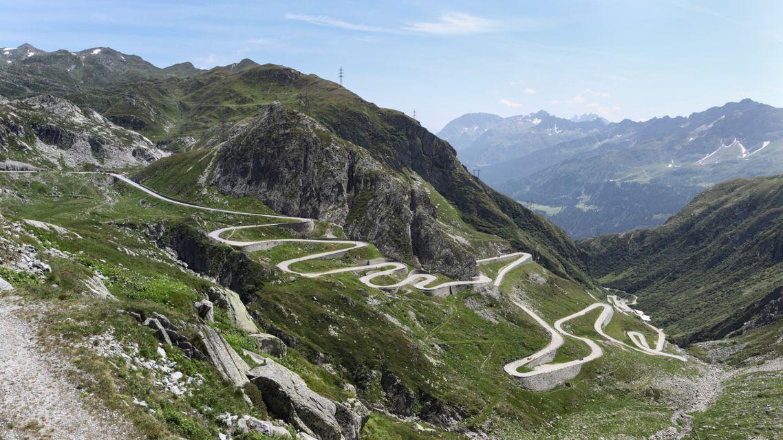 Passo-San-Gottardo-19358-TW-Slideshow.jpg