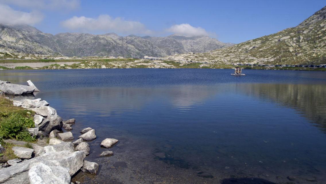Passo-del-San-Gottardo-Laghetto-8106-TW-Slideshow.jpg
