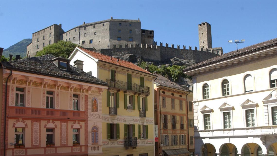 Piazza-Collegiata-18681-TW-Slideshow.jpg