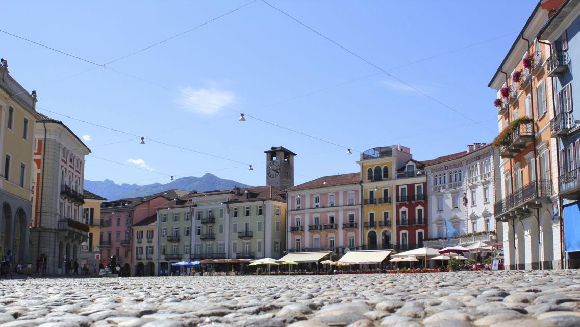 Piazza-Grande-1401-TW-Slideshow.jpg