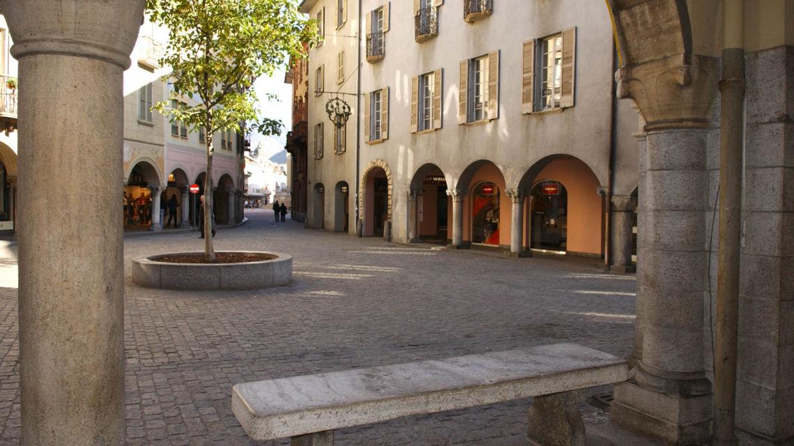 Piazza-Nosetto-12455-TW-Slideshow.jpg
