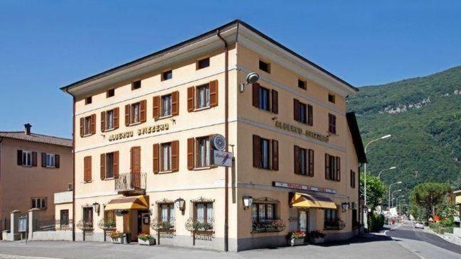 Ristorante-Svizzero-Capolago-2880-TW-Slideshow.jpg
