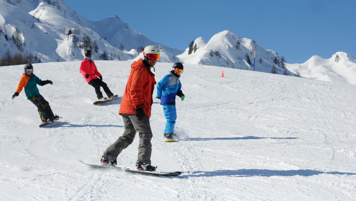 Snowboard-23080-TW-Slideshow.jpg