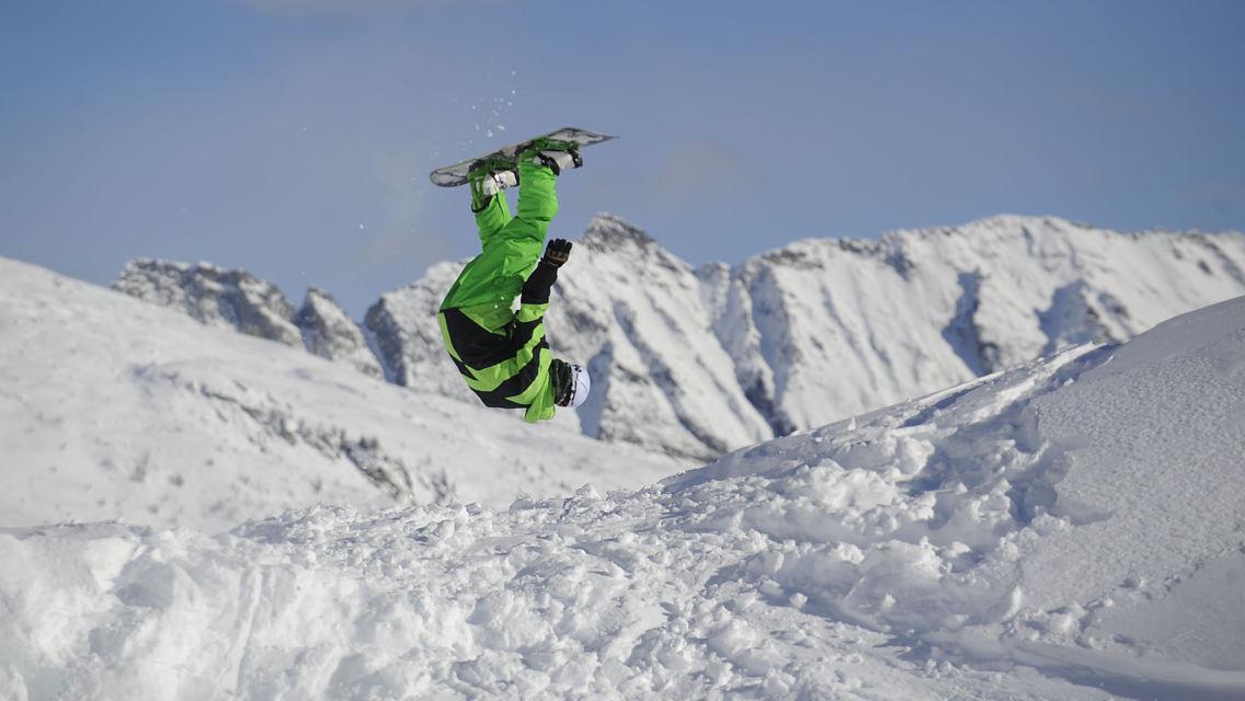 Snowboard-9736-TW-Slideshow.jpg