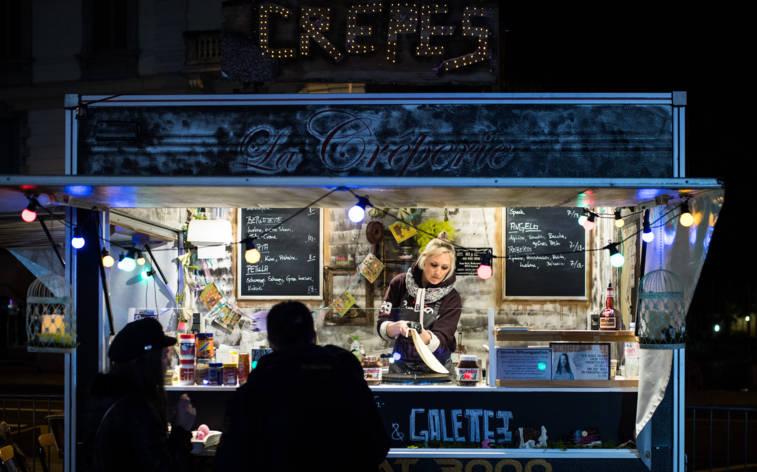 Laster als Restaurants auf der Piazza