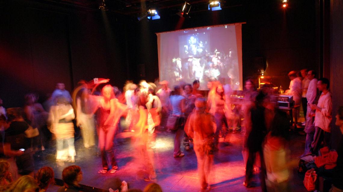 Teatro-Paravento-durante-Filmfestival-3410-TW-Slideshow.jpg