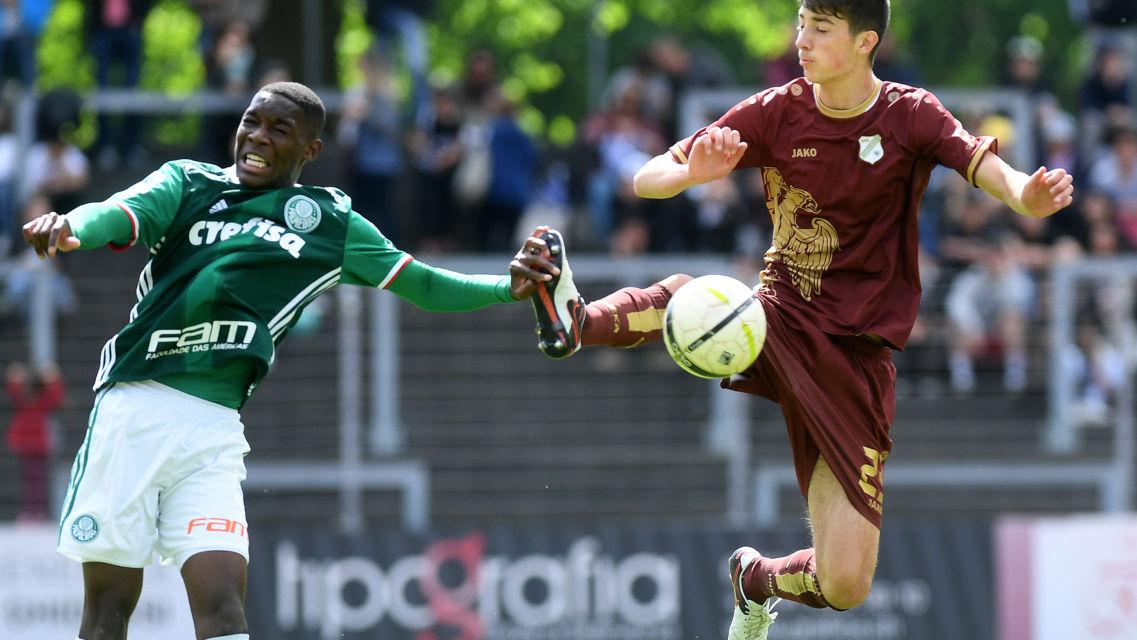 Torneo-Calcio-U18-21056-TW-Slideshow.jpg