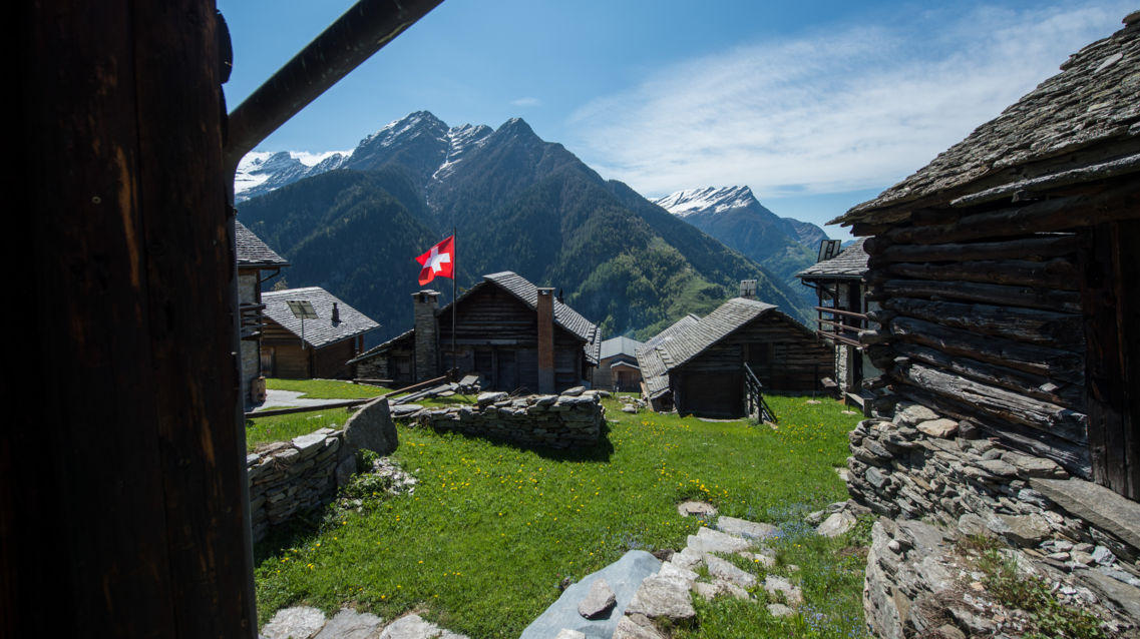 Val-Malvaglia-18702-TW-Slideshow.jpg