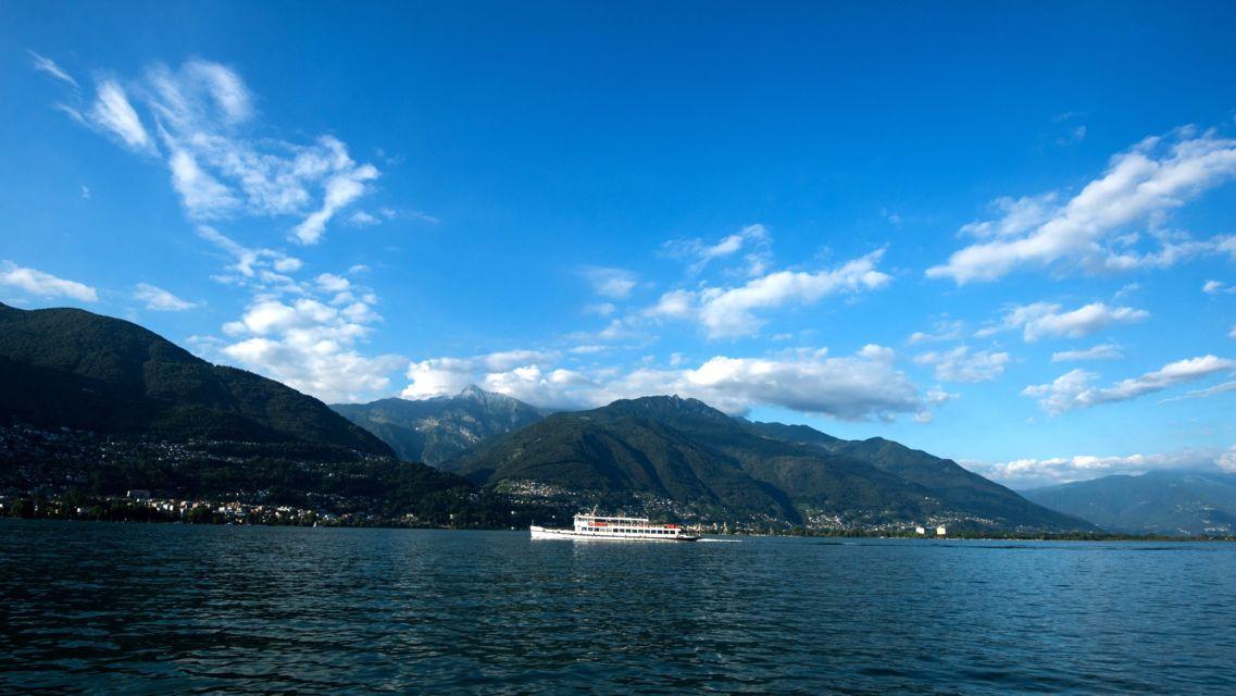 battello-sul-Lago-Maggiore-24075-TW-Slideshow.jpg