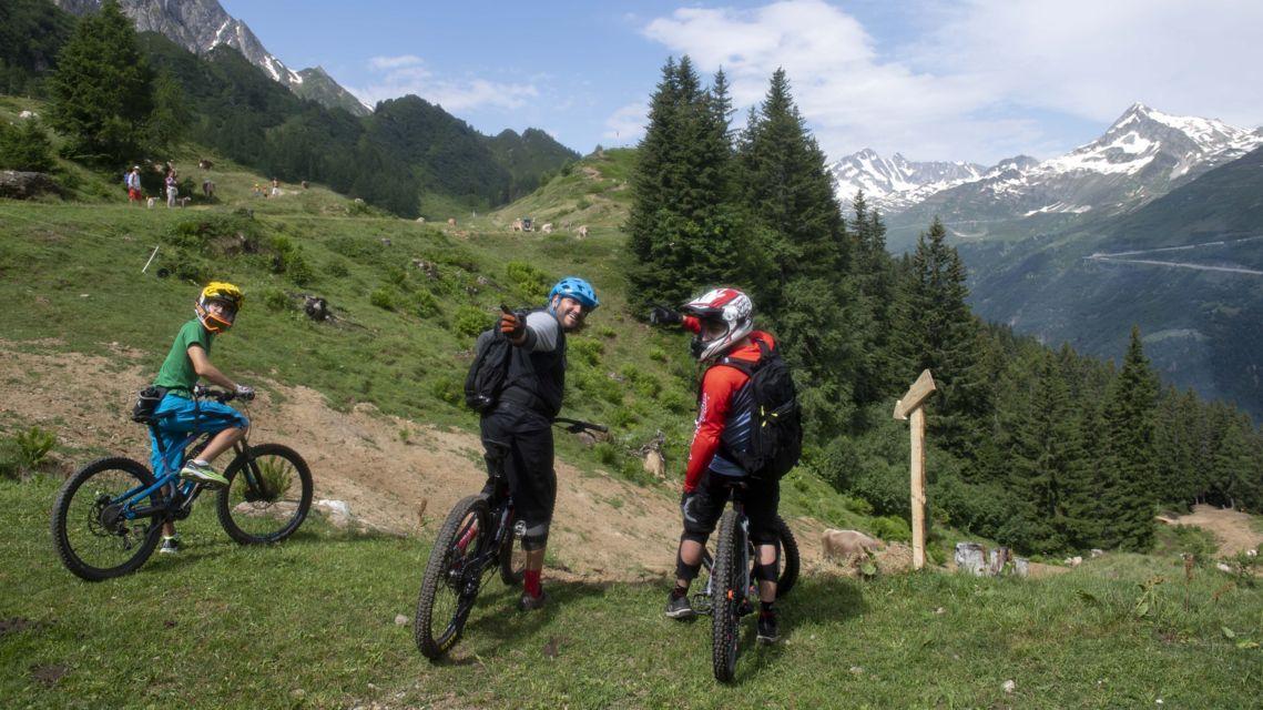biking-28013-TW-Slideshow.jpg