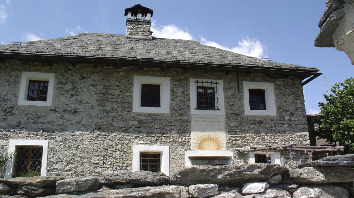 casa-antica-a-Rasa-1065-TW-Slideshow.jpg