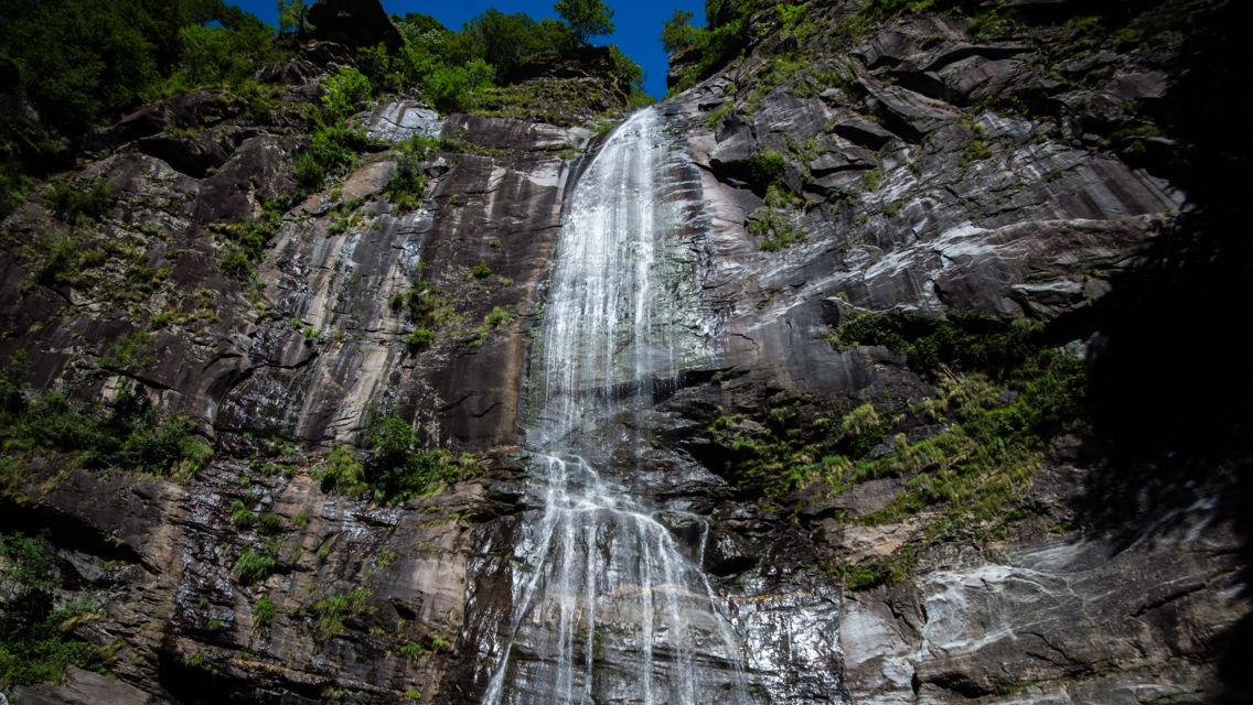 cascata-Bignasco-21900-TW-Slideshow.jpg