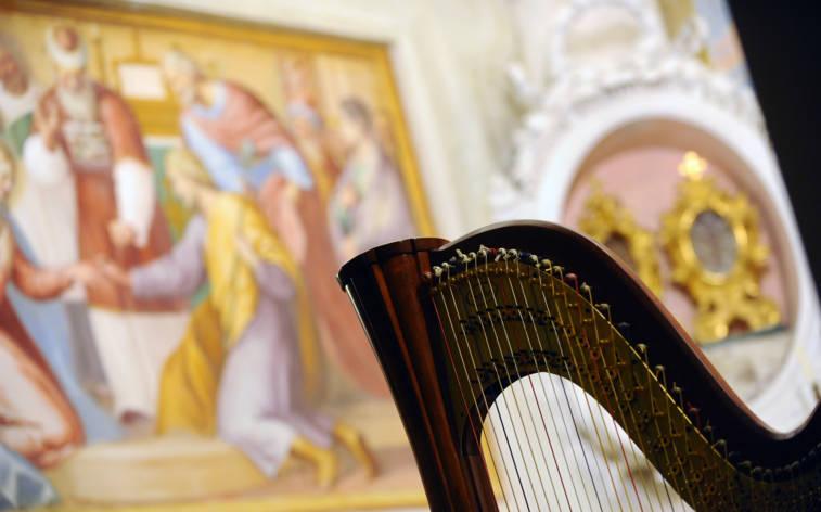 Die Stimme der Erde erklingt in Kirchen