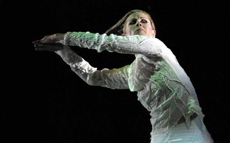 Carolyn Carlson tanzt Poesie